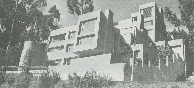"Edificio de apartamentos ""Los Eucaliptus"", Bogotá"