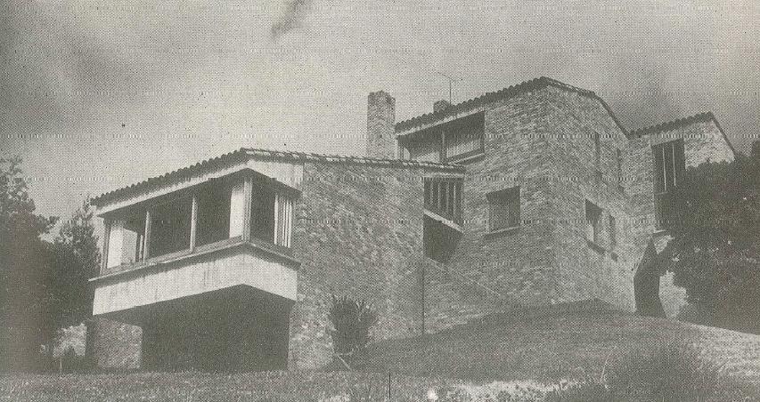 Residencia de Dicken Castro en Suba