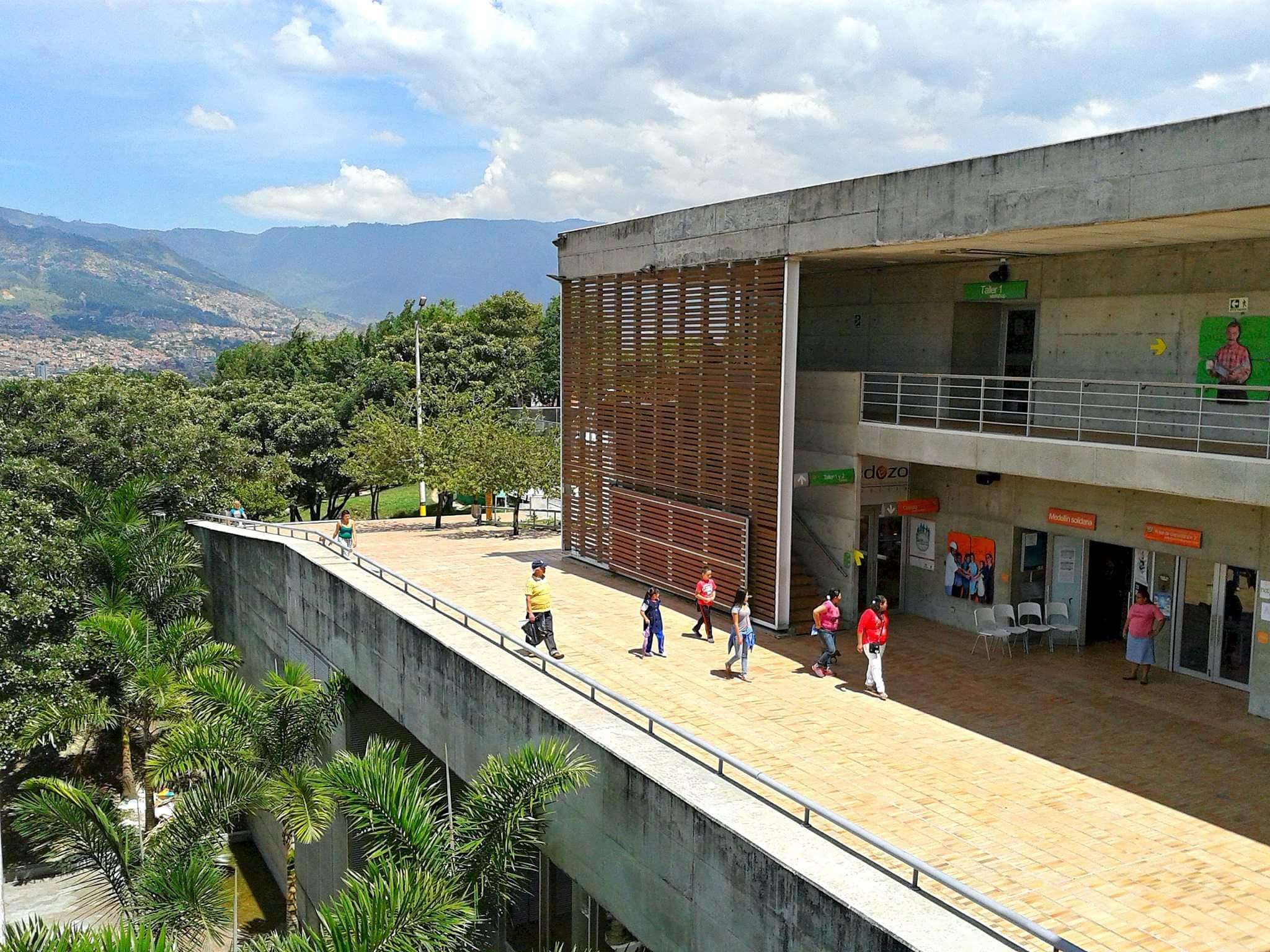 Parque Biblioteca Tomás Carrasquilla. Foto: Ricardo La Rotta, 2016