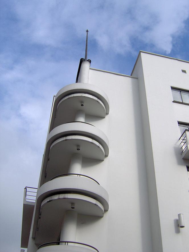 Edificio diseñado por Manuel de Vengoechea. Foto: JRN